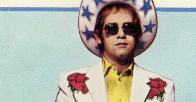 Elton John zachęca fanów do nakręcenia nowych klipów do jego klasyków