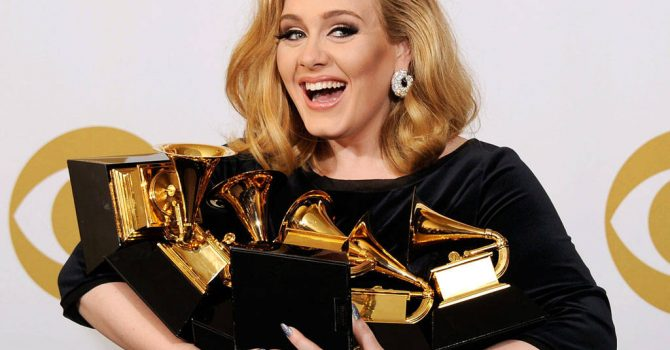 Grammy 2017: Adele wygrała, ale uważa, że nagroda należy się Beyonce