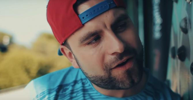 """Jacob A z nowym, pogodnym singlem """"Dobry Bardzo"""""""
