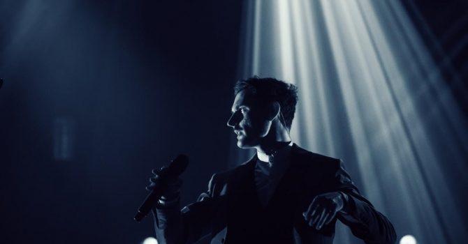 Dawid Podsiadło zapowiada kolejną trasę koncertową! Tym razem będzie kameralnie.