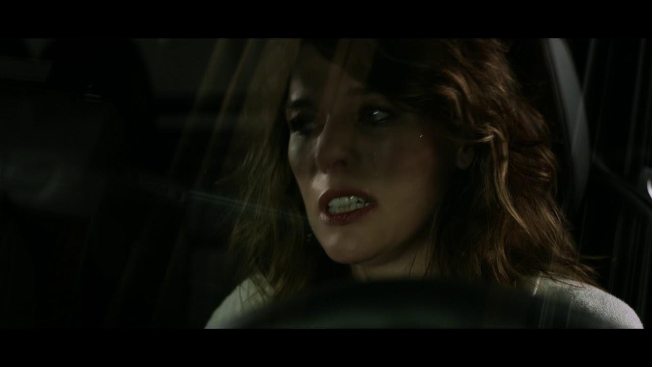 """Milla Jovovich w """"strasznym klipie"""" na Halloween 2018!"""