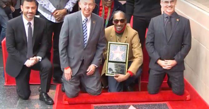 Snoop Dogg ma swoją gwiazdę na Hollywood Walk of Fame. Jego przemowa? Bezcenna!