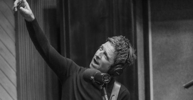 Noel Gallagher wydaje singiel i zapowiada trasę z U2