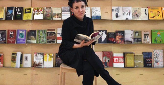 Ważne nagrody literackie dla polskich pisarzy, w tym Nobel dla Olgi Tokarczuk