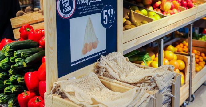 Bawełniane worki na warzywa w sklepach sieci Carrefour