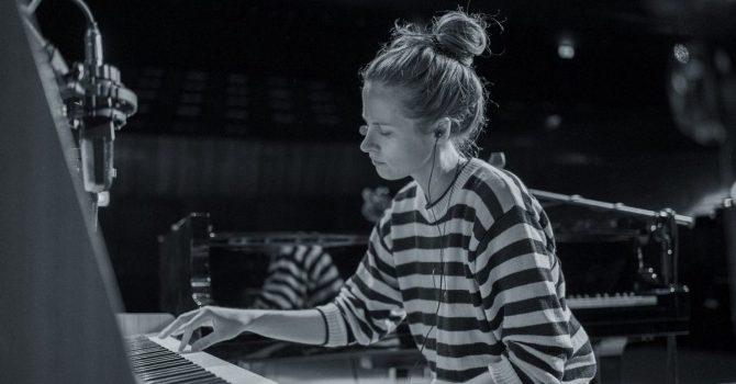 "Hania Rani reinterpretuje preludium kantaty ""La damoiselle elue"" Debussy'ego"