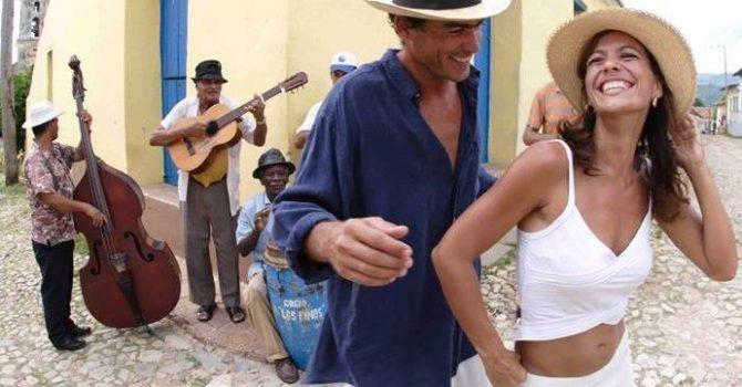 Latino Lady Stylig