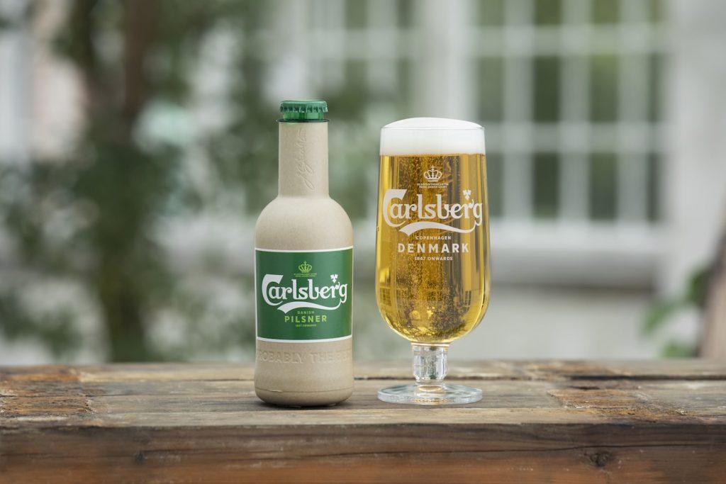 Papierowa butelka Calsberg