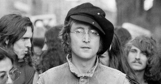 John Lennon siedzi w popkulturze – przypominajka z okazji czterdziestej rocznicy śmierci
