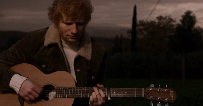 """Ed Sheeran wraca z muzycznej przerwy z piosenką """"Afterglow"""""""