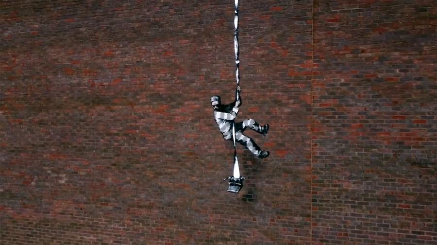 Banksy prezentuje nową pracę Create Escape