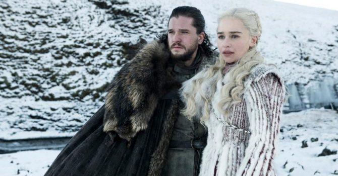 """""""Gra o Tron"""" wciąż trwa. Na HBO pojawi się kilka spin-offów serialu. Nad wszystkim czuwa George R.R. Martin"""