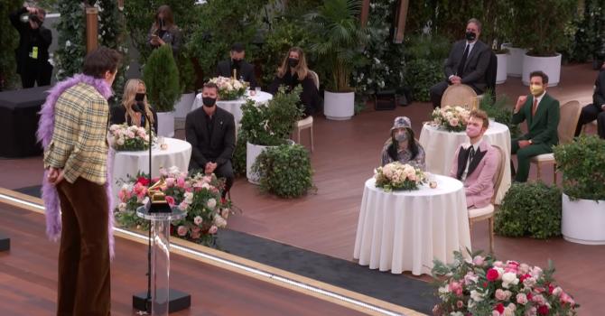 Prestiżowa gala w formie szykownego pikniku – jak wyglądały tegoroczne Grammy?