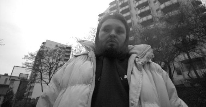 Gruby Mielzky w kolejnym szczerym singlu z Sariusem