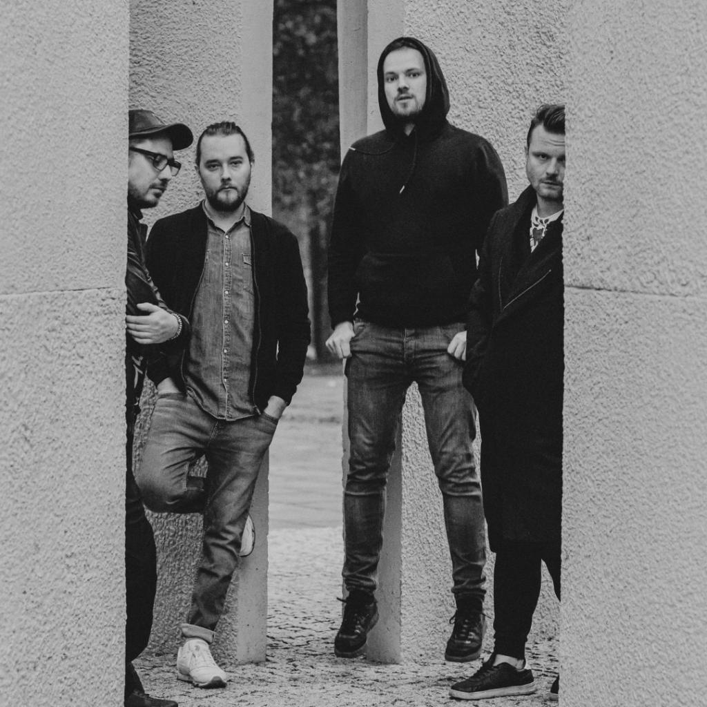 Muchy powracają z nowym albumem Szaroróżowe