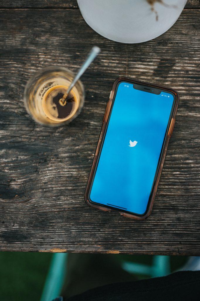 twitter i billboard łączą siły