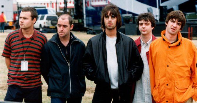 Liam i Noel Gallagher wyprodukują dokument o koncertach Oasis sprzed 25 lat