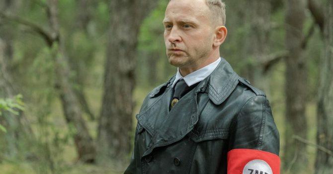 """Jak narodowiec zakochał się w lewaczce. Czy """"Kryptonim Polska"""" powieli wszystkie możliwe stereotypy?"""