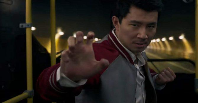 Shang-Chi mierzy się z legendą dziesięciu pierścieni w nowym zwiastunie filmu