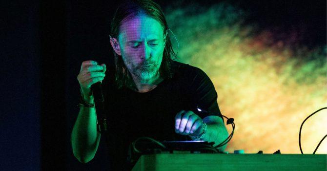 """Niepokój, zapętlona perkusja i pokręcone struktury dźwiękowe – płyta """"The King Of Limbs"""" Radiohead skończyła w tym roku 10 lat"""