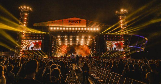 FEST Festival 2021 oczami uczestników. Wywiad jeden na jeden.