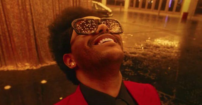 """The Weeknd singlem """"Blinding Lights"""" pobił kolejny rekord listy Billboard Hot 100"""