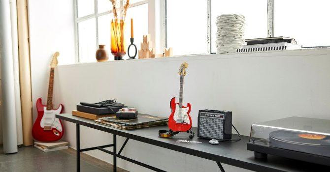 Marzyłeś o gitarze Fender Stratocaster? Zbuduj ją z klocków LEGO!