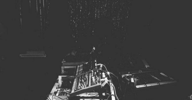ŻÓŁĆ — experimental techno live-act | audio-visual