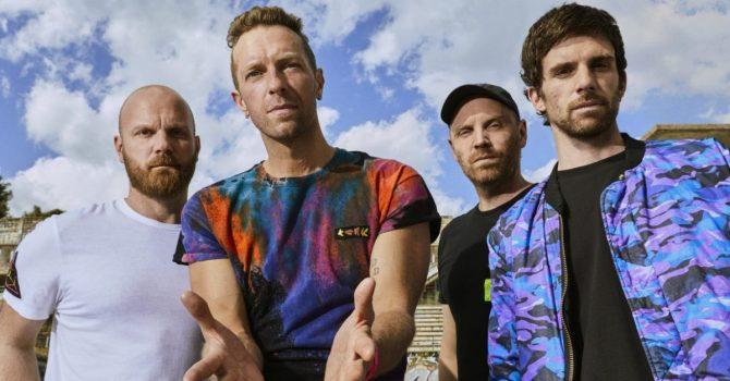 """Coldplay wbija gwóźdź do własnej trumny. Recenzja albumu """"Music of the Spheres"""""""