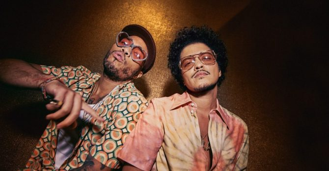 """Bruno Mars i Anderson .Paak ogłosili datę premiery albumu """"An Evening With Silk Sonic"""""""