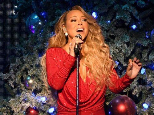 """Mariah Carey i muzyczni goście w programie """"Mariah Carey's Magical Christmas Special"""""""
