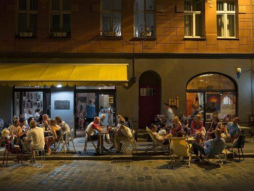 Kultowe poznańskie knajpy Raj i Cafe La Ruina znikają ze Śródki!