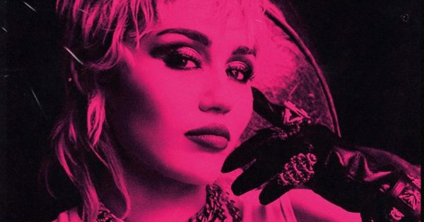 """Miley Cyrus w końcu zapowiada nowy album – """"Plastic Hearts"""""""