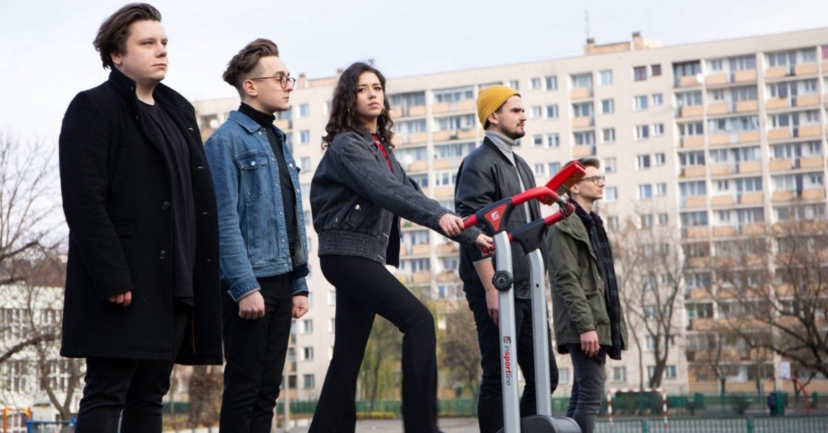 """Sonbird i Natalia Zastępa w mocno popowej odsłonie – oglądamy klip do utworu """"Mantry"""""""