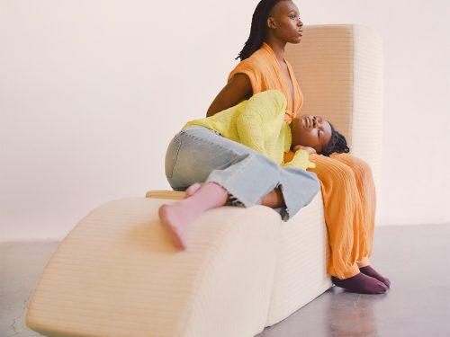 Powstały meble, które mają moc pokonania samotności!