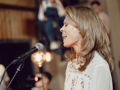 "Julia Pietrucha wydaje nowy album ""FOLK it! TOUR"""