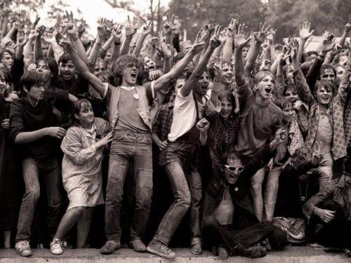5 kultowych zespołów, które debiutowały na festiwalu w Jarocinie