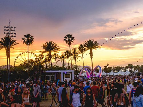 Szukasz inspiracji na festiwalowe outfity? Zobacz, co nosiło się na Coachella 2018!