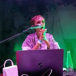 Bass Astral bez Igo – solowy koncert Kuby Tracza – relacja