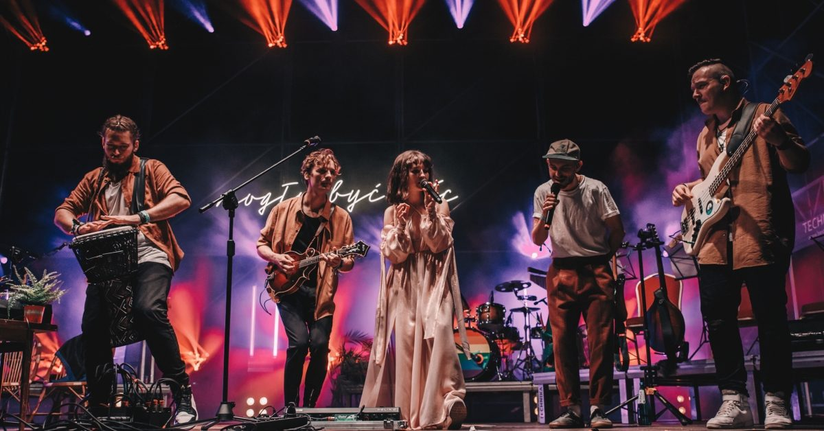 Kwiat Jabłoni zakończył swoją trasę koncertową na błoniach Stadionu Narodowego. Zobaczcie naszą fotorelację!