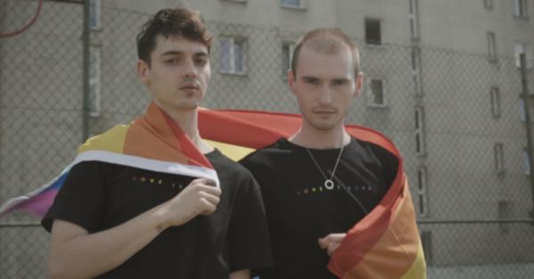 Ofelia prezentuje teledysk, którym wspiera środowisko LGBT+