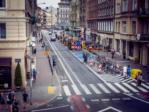 Ale zmiana! Poznań zamienił parkingi w ogródki