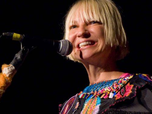 Sia pozwana przez swoich fanów za nudny koncert