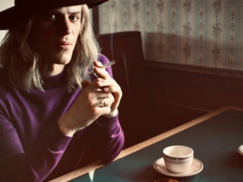 Jest pierwsza zapowiedź filmu o Davidzie Bowie. W roli głównej Johnny Flynn