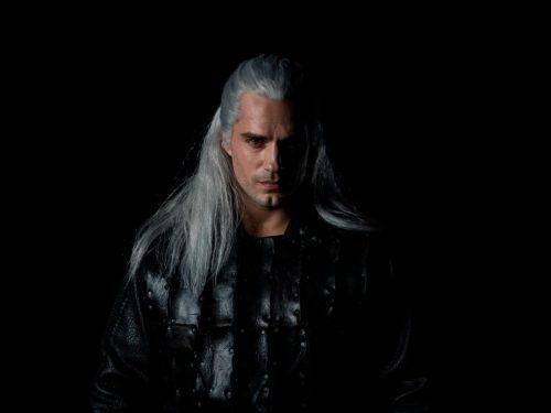 """Netflix pokazał, jak Henry Cavill będzie wyglądał jako Geralt w serialu """"Wiedźmin""""!"""
