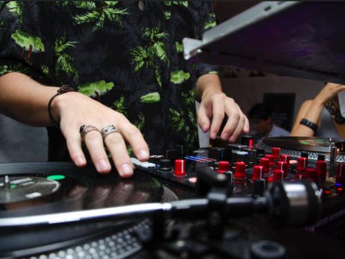 Jesteś DJ'em? Chcesz zrobić międzynarodową karierę? Aplikuj do Burn Residency 2018!