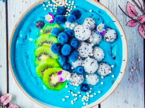 Superfood 2018 roku ma smerfny kolor i mnóstwo witamin. Blue Majik zrobi rewolucję w Twojej kuchni.