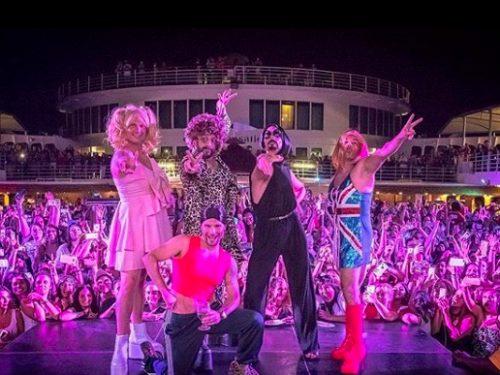 Backstreet Boys przebrali się za Spice Girls. Ich wersja Wannabe to 90's double power!