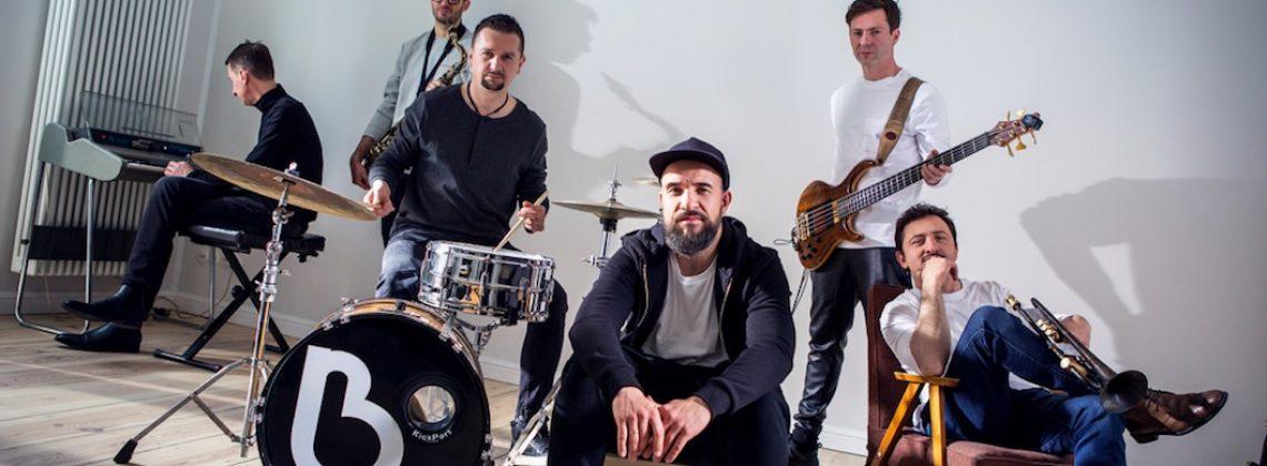 """Bibobit wyrusza w trasę koncertową promującą krążek """"Podróżnik""""."""