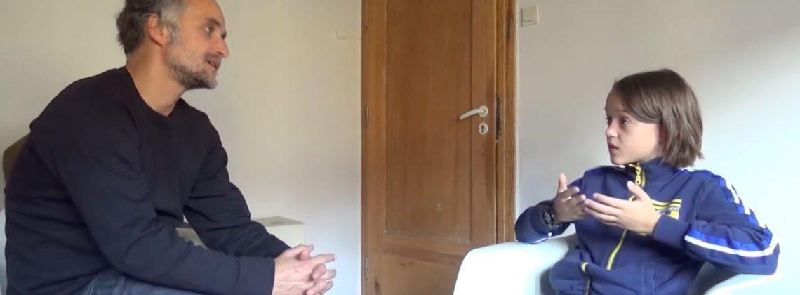 Artur Rojek w nietypowym wywiadzie udzielonym… dziesięciolatkowi!